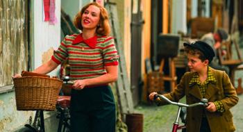 Scarlett Johansson as Rosie Betzler and Roman Griffin Davis as her son Jojo
